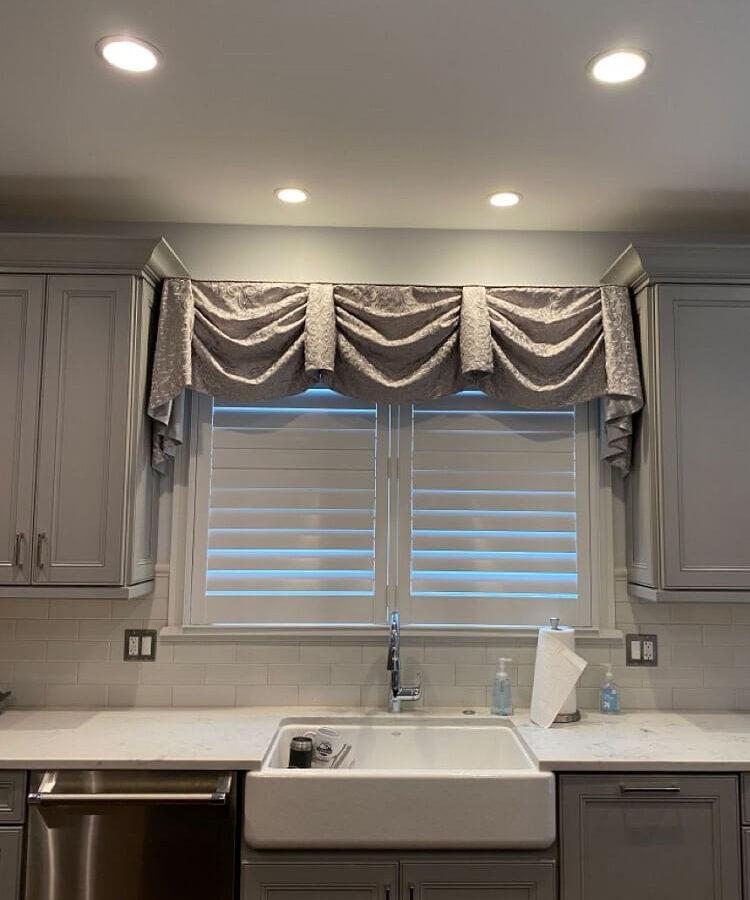 Kitchen Curtains (5)